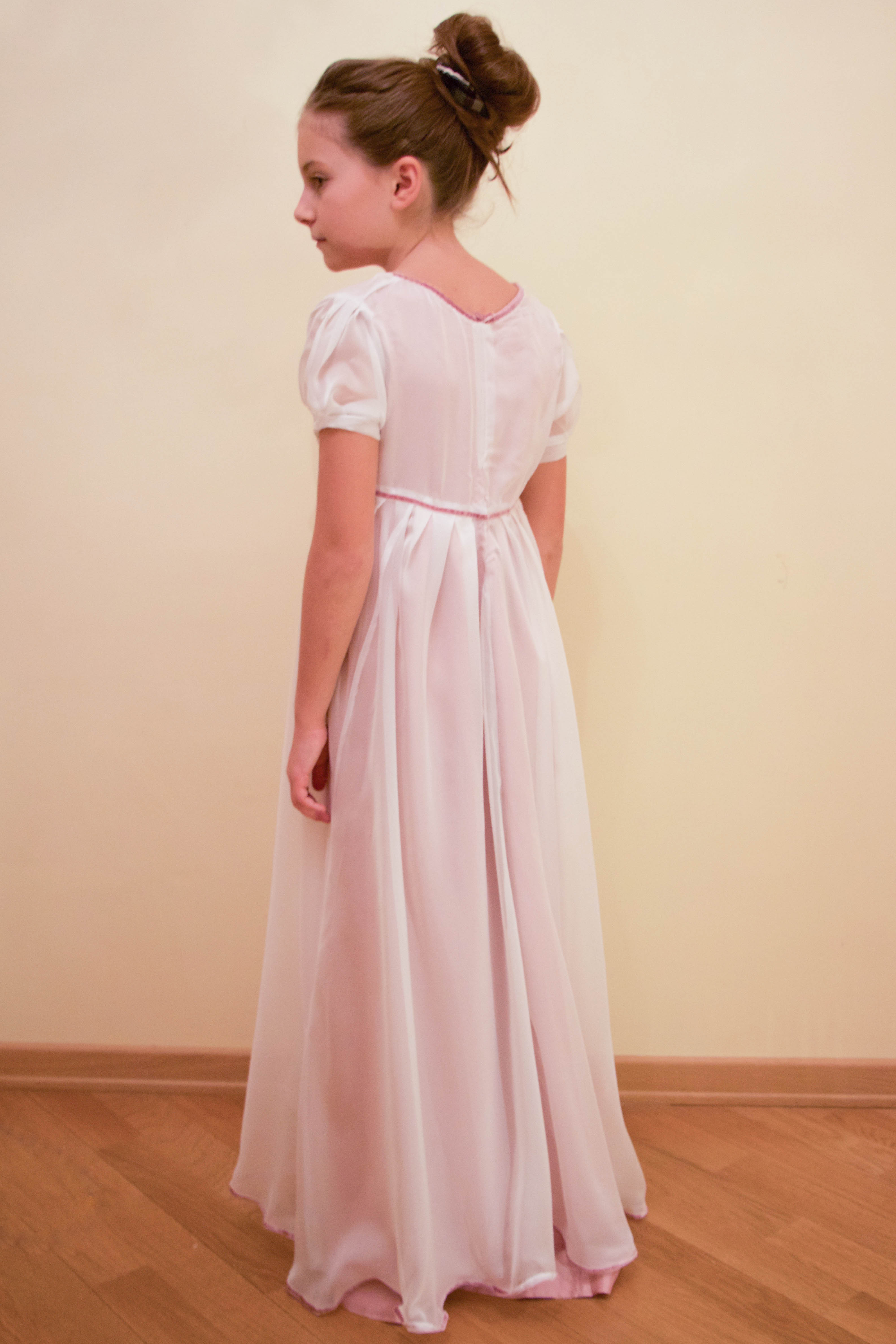 Как сшить платье в стиле ампир для девочки